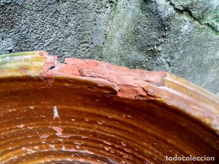 Antigüedades: ANTIQUÍSIMO Y ENORME LEBRILLO VIDRIADO DE ÚBEDA Ó BAILÉN ( JAÉN ) LAÑADO DE ÉPOCA - CON MUCHO SABOR - Foto 7 - 224455195