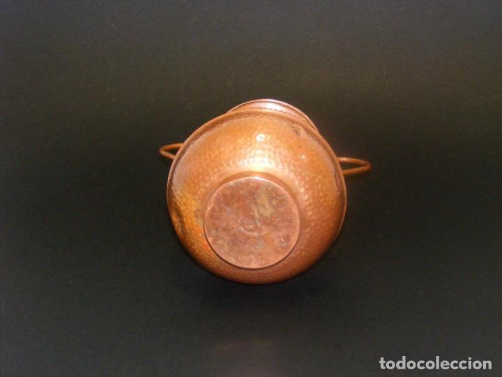 Antigüedades: JARRÓN DE COBRE REPUJADO - 19 CMS. - VER FOTOS ADICIONALES. - Foto 6 - 224515161