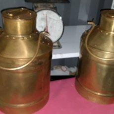 Antigüedades: PAREJA DE LECHERAS DE GRANDES DIMENSIONES 26X26X42. Lote 244700575