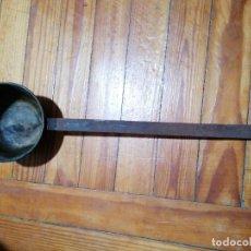 Antigüedades: CAZO ANTIGUO DE LATÓN. Lote 224641946