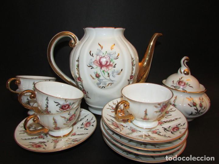 JUEGO DE CAFE INCOMPLETO EN PORCELANA DO CASTRO. MARCA A.R PINTADO A MANO (Antigüedades - Porcelanas y Cerámicas - Sargadelos)