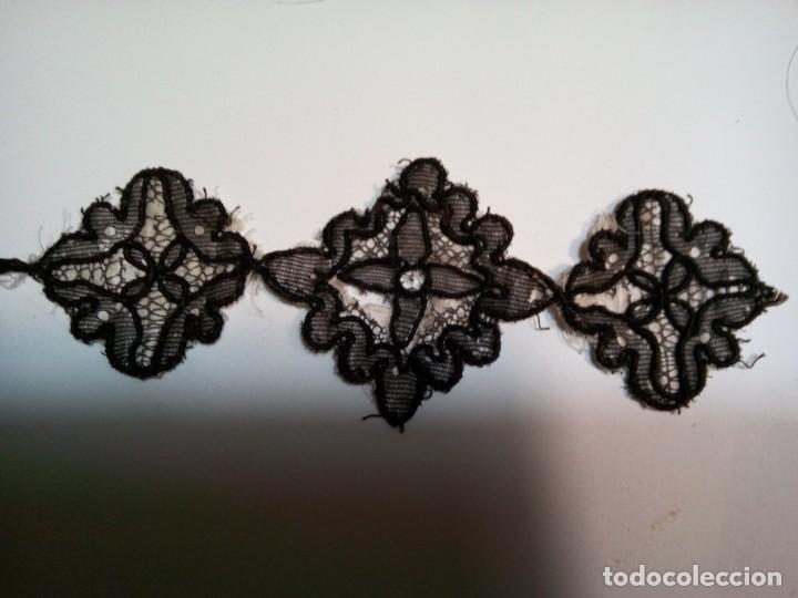 Antigüedades: * ANTIGUAS APLICACIONES SOBRE SEDA (Rf:P-158/*) - Foto 5 - 224744603