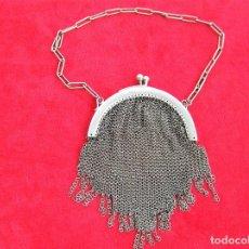 Antigüedades: MARAVILLOSO BOLSO MONEDERO DE MALLA, CONTRASTE INTERIOR METAL BLANCO. Lote 224746201