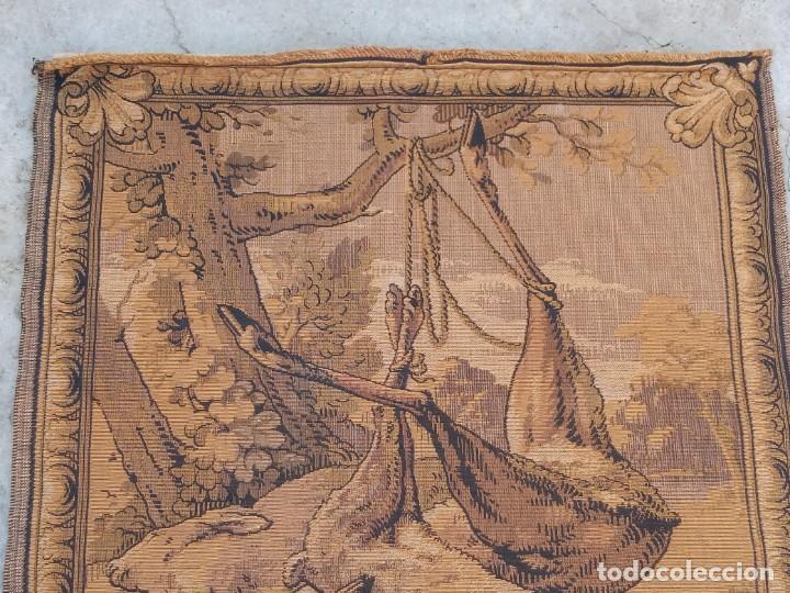 Antigüedades: TAPIZ ANTIGUO- ALEGORIA DE LA CAZA - Foto 3 - 224774627
