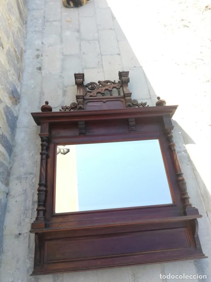 Antigüedades: Antiguo espejo colonial, de madera maciza ,madera tallada,cristal biselado. - Foto 21 - 224791522
