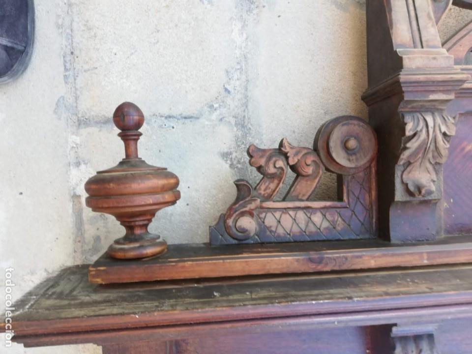 Antigüedades: Antiguo espejo colonial, de madera maciza ,madera tallada,cristal biselado. - Foto 6 - 224791522