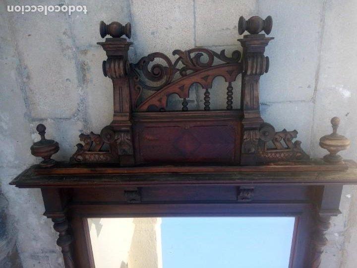 Antigüedades: Antiguo espejo colonial, de madera maciza ,madera tallada,cristal biselado. - Foto 16 - 224791522