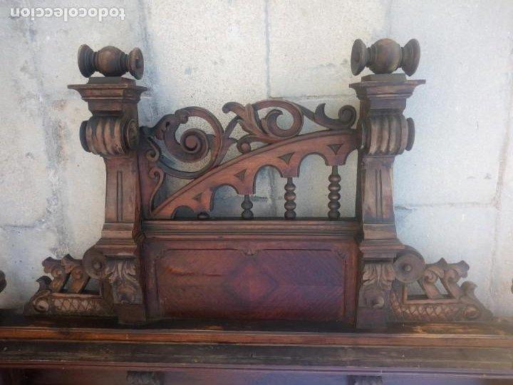 Antigüedades: Antiguo espejo colonial, de madera maciza ,madera tallada,cristal biselado. - Foto 4 - 224791522
