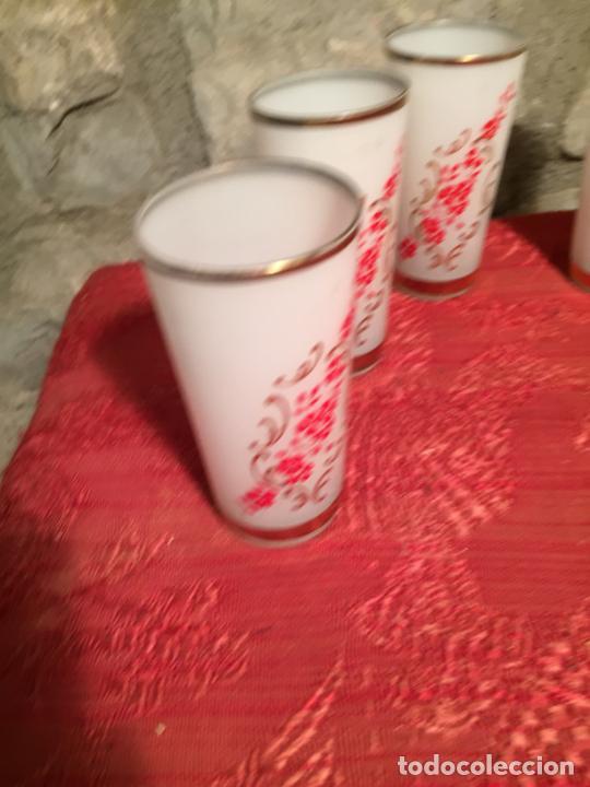 Antigüedades: Antiguo juego de 6 vaso / vasos de cristal prensado para licor año 50-60 - Foto 3 - 224800847