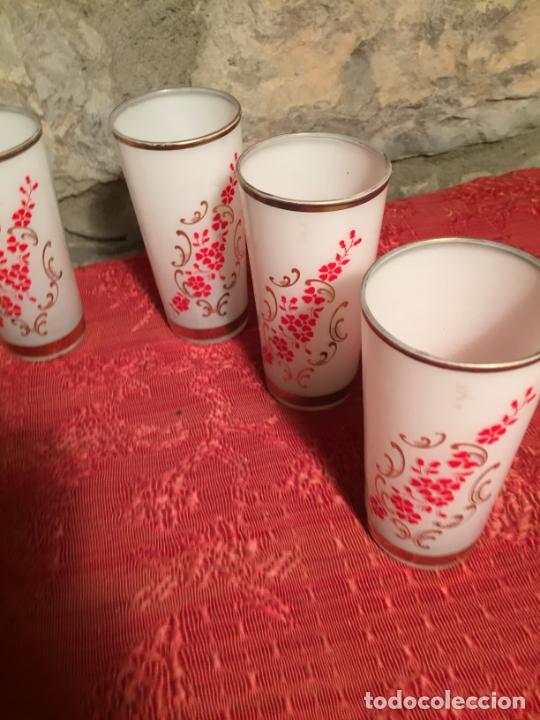 Antigüedades: Antiguo juego de 6 vaso / vasos de cristal prensado para licor año 50-60 - Foto 5 - 224800847