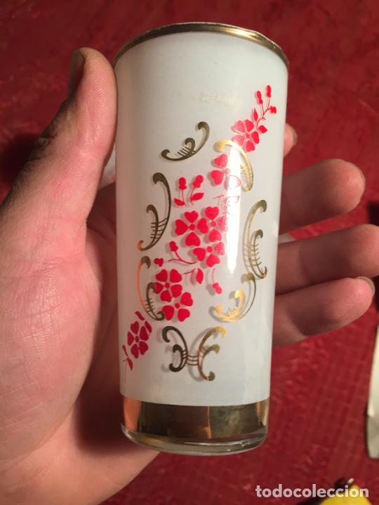 Antigüedades: Antiguo juego de 6 vaso / vasos de cristal prensado para licor año 50-60 - Foto 10 - 224800847
