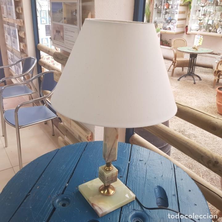 LÁMPARA DE SOBREMESA CON PIE EN MÁRMOL (Antigüedades - Iluminación - Lámparas Antiguas)