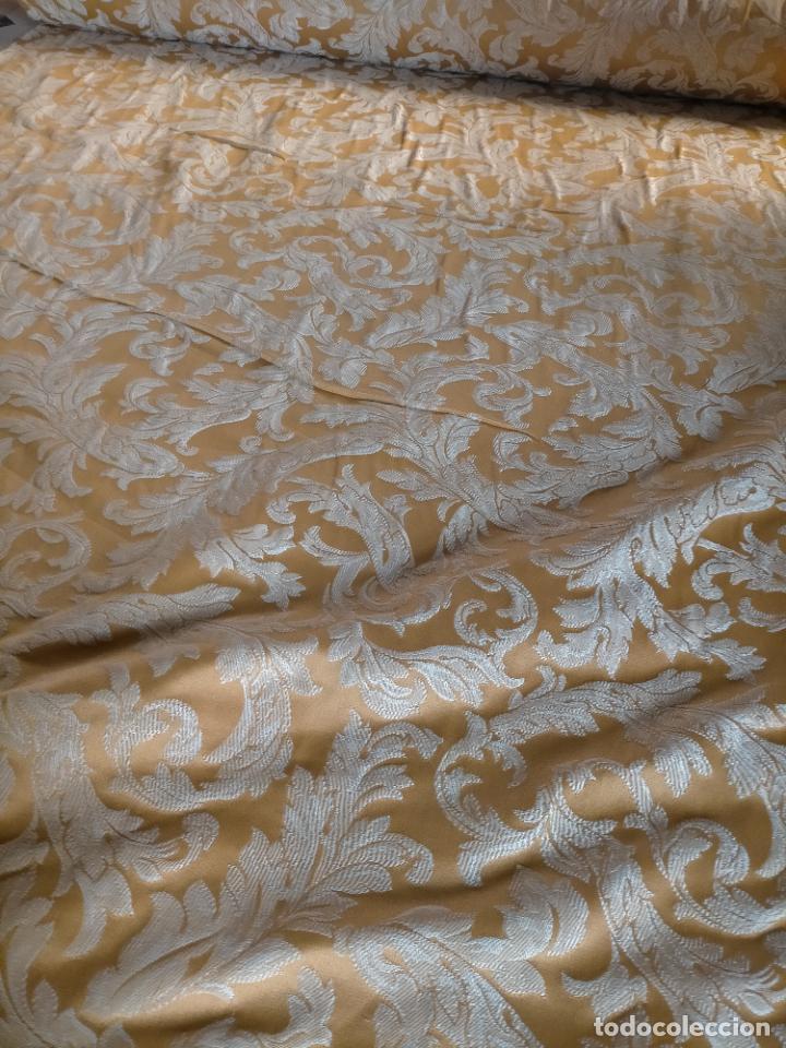 Antigüedades: PRECIOSO BROCADO DAMASCO 3,8 METROS X 140 CM IDEAL MANTO VIRGEN SAYA SEMANA SANTA AMARILLO ORO - Foto 20 - 270646543