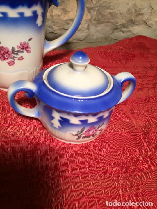 Antigüedades: Antiguo juego de café / vajilla compuesto por cafetera, azucarera y lechera porcelana blanca años 40 - Foto 4 - 224845201
