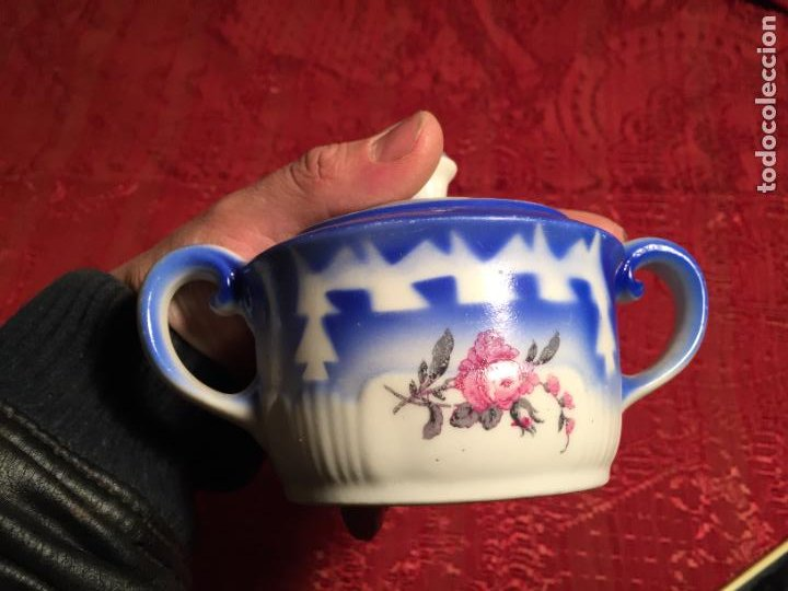 Antigüedades: Antiguo juego de café / vajilla compuesto por cafetera, azucarera y lechera porcelana blanca años 40 - Foto 5 - 224845201