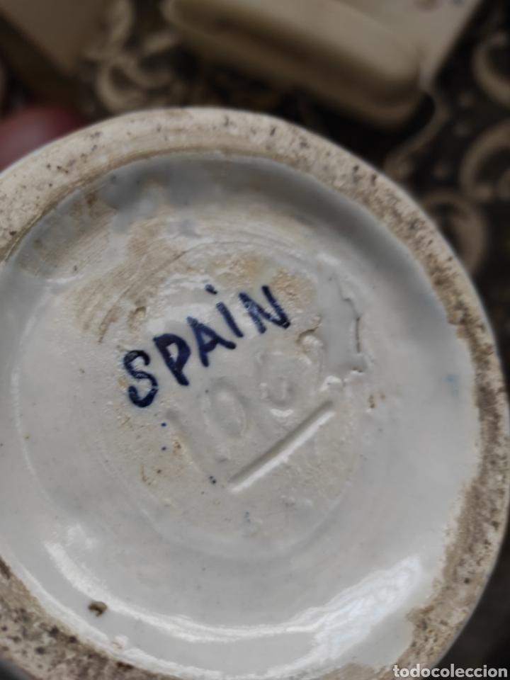 Antigüedades: Pareja de jarras con asas, cerámica granadina. 28cm de altura. Con numeración. - Foto 11 - 224098002