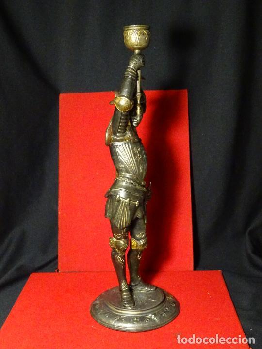 Antigüedades: 38 cmts.-Candelero figura caballero con armadura, policromia. S. XIX.Guerrero.escultura.candelabro - Foto 15 - 224954375