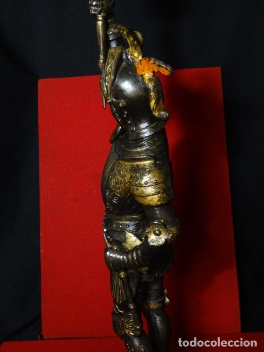 Antigüedades: 38 cmts.-Candelero figura caballero con armadura, policromia. S. XIX.Guerrero.escultura.candelabro - Foto 13 - 224954375