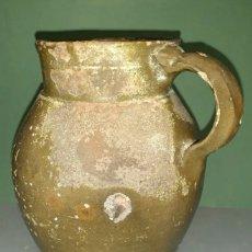 Antiquités: PUCHERO OLLA TUPÍ DEL PIRINEO CERÁMICA POPULAR VIDRIADA COLOR VERDOSO Y GRAPADO. Lote 224993901