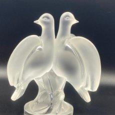Antigüedades: CRISTAL LALIQUE , VINTAGE , PALOMAS . CRYSTAL LALIQUE BIRDS , ARIANE. Lote 225035358