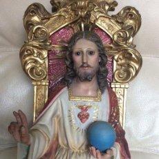 Antigüedades: SAGRADO CORAZÓN ENTRONADO CON SELLO DE OLOT ARTE CRISTIANO. Lote 225051885