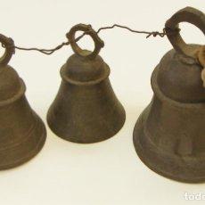 Antigüedades: 3 VIEJAS CAMPANAS DE LATÓN O BRONCE. Lote 225125352