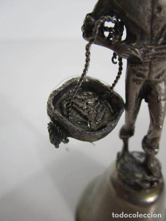 Antigüedades: Bonita Campanilla, Llamador - Metal Plateado - Pescador - Foto 5 - 225163512