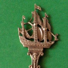 Antiquités: TRIDENTE DOBLE CARA CON GALEÓN EN PLATA INGLÉS ? SIGLO XIX. MARCAS.. Lote 225237577