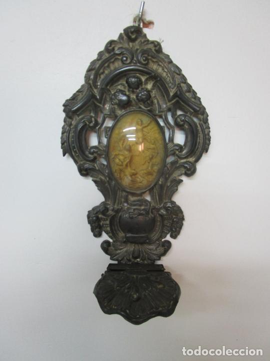Antigüedades: Preciosa Benditera, Pila - Plata de Ley - con Angelitos - Talla en Espuma de Mar - S. XVIII - Foto 2 - 225249775