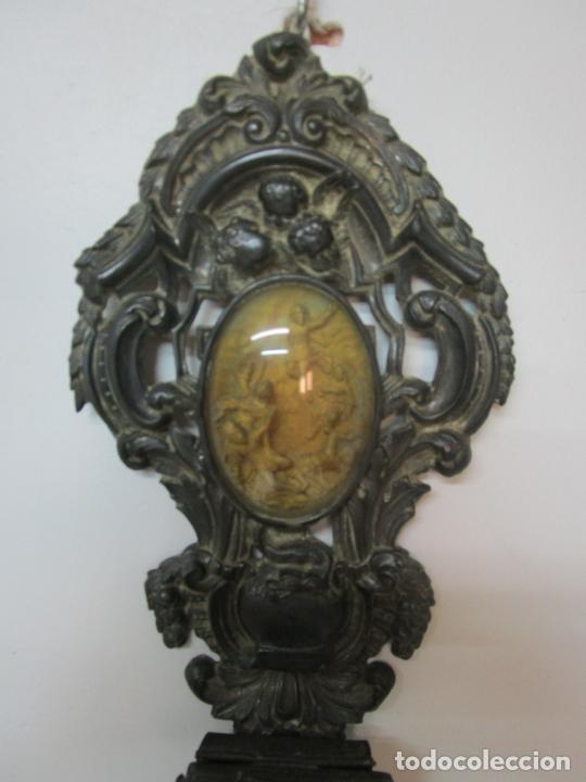 Antigüedades: Preciosa Benditera, Pila - Plata de Ley - con Angelitos - Talla en Espuma de Mar - S. XVIII - Foto 5 - 225249775