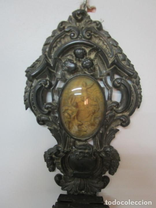 Antigüedades: Preciosa Benditera, Pila - Plata de Ley - con Angelitos - Talla en Espuma de Mar - S. XVIII - Foto 8 - 225249775