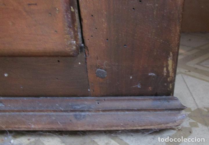 Antigüedades: Antiguo Armario Catalán - Madera Nogal - Marquetería - Altura 215 cm - Data 1731 - Foto 7 - 225326692