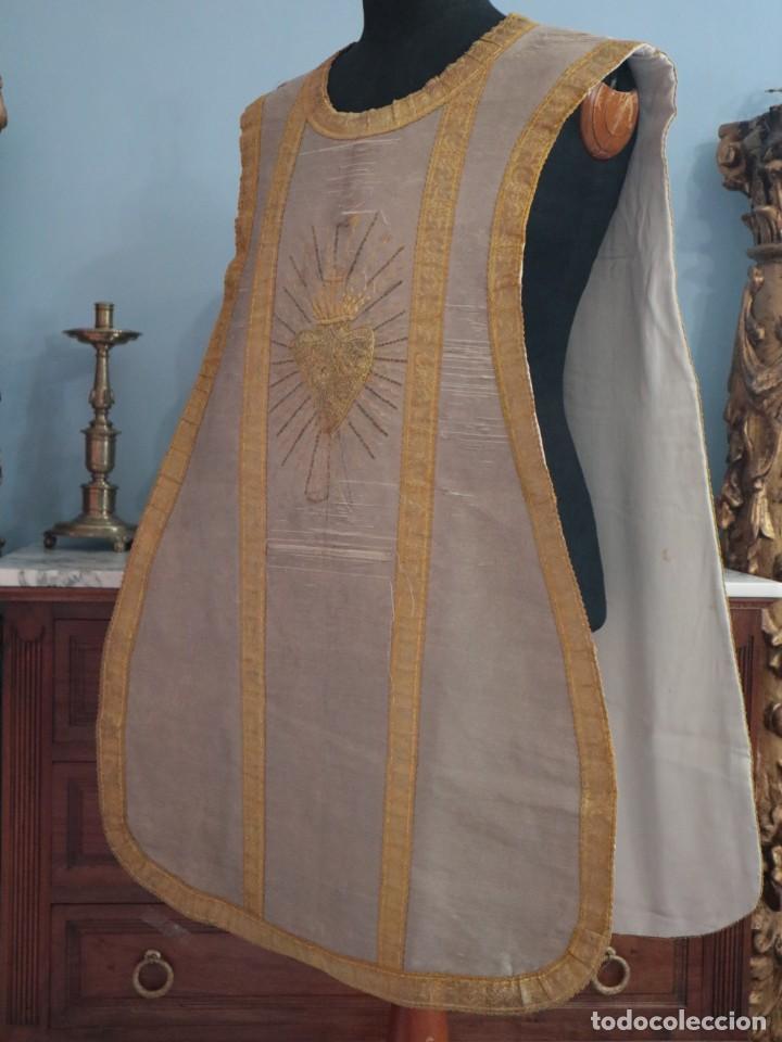 Antigüedades: Casulla acompañada de estola, confeccionadas en tisú de plata y bordados en oro. Hacia 1900. - Foto 15 - 225391355