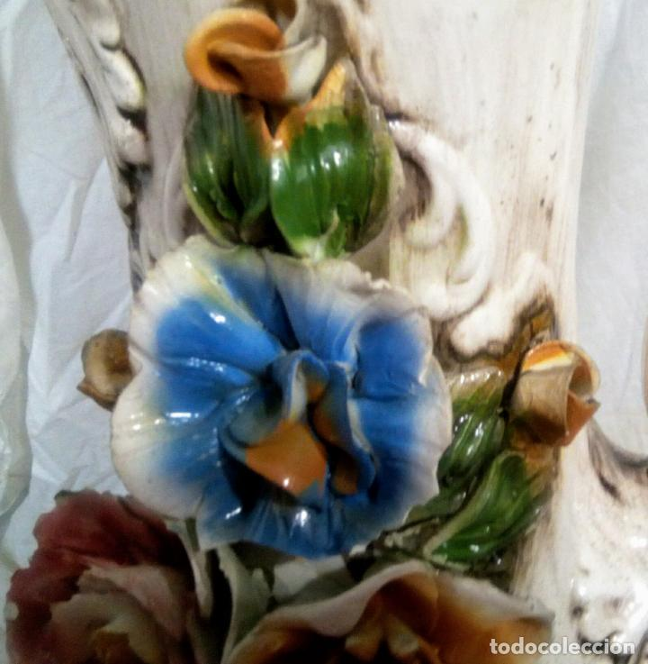 Antigüedades: Gran jarrón Capodimonte. Masivo. Casi de grande como un paragüero.53 cm. - Foto 4 - 225400370