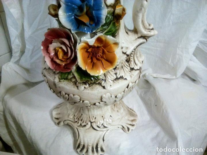 Antigüedades: Gran jarrón Capodimonte. Masivo. Casi de grande como un paragüero.53 cm. - Foto 9 - 225400370