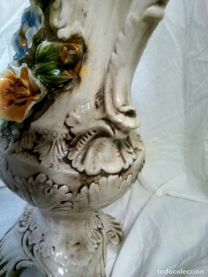 Antigüedades: Gran jarrón Capodimonte. Masivo. Casi de grande como un paragüero.53 cm. - Foto 21 - 225400370