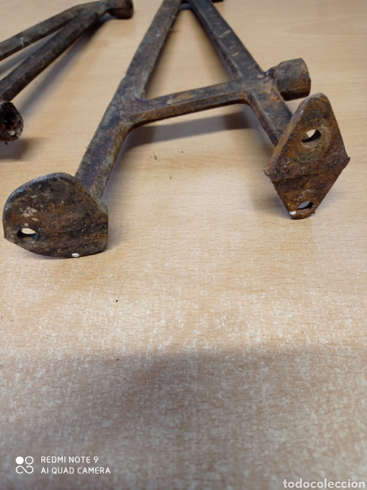 Antigüedades: Antiguos soportes de fundición para repisa de baño por ejemplo. Leja, balda. Años 20-30 - Foto 4 - 225464035
