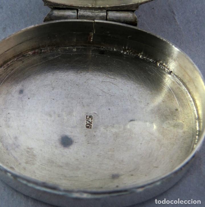 Antigüedades: Caja pastillero de plata decorado con aplicaciones de acero facetado siglo XX - Foto 5 - 225512260
