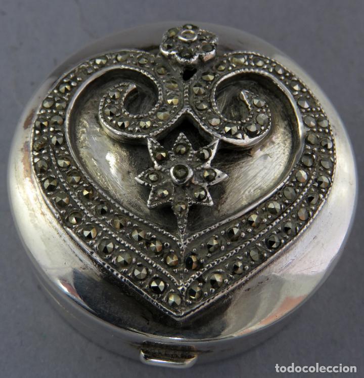 Antigüedades: Caja pastillero de plata decorado con aplicaciones de acero facetado siglo XX - Foto 2 - 225512837
