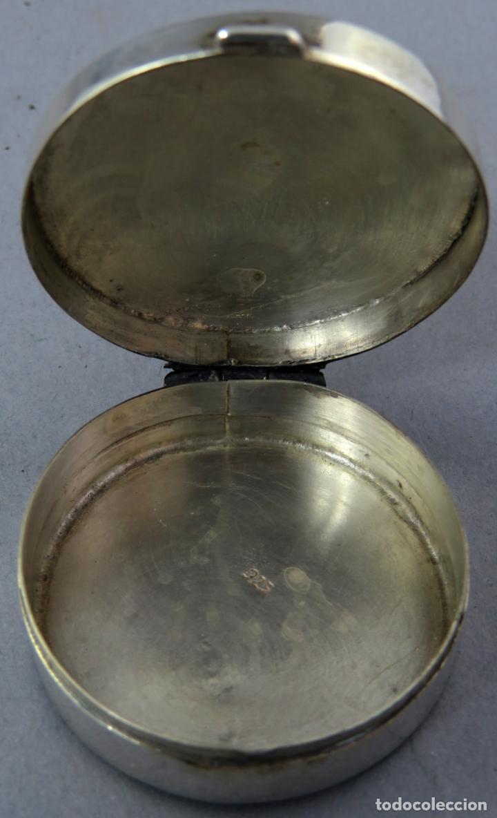 Antigüedades: Caja pastillero de plata decorado con aplicaciones de acero facetado siglo XX - Foto 5 - 225512837