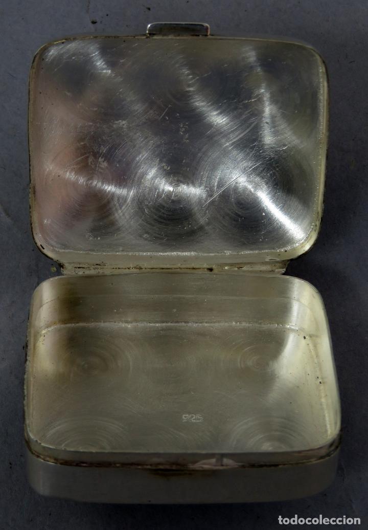 Antigüedades: Caja pastillero de plata decorado con aplicaciones de acero facetado siglo XX - Foto 6 - 225514405