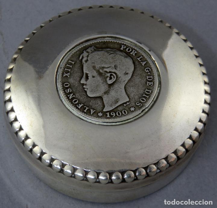 Antigüedades: Caja pastillero de plata con moneda de Alfonso XIII de 1900 siglo XX - Foto 2 - 225514870