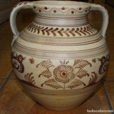 Antigüedades: ORZA CERÁMICA CRAQUELADA CON ASAS DE TALAVERA PINTADA A MANO. Lote 225576095