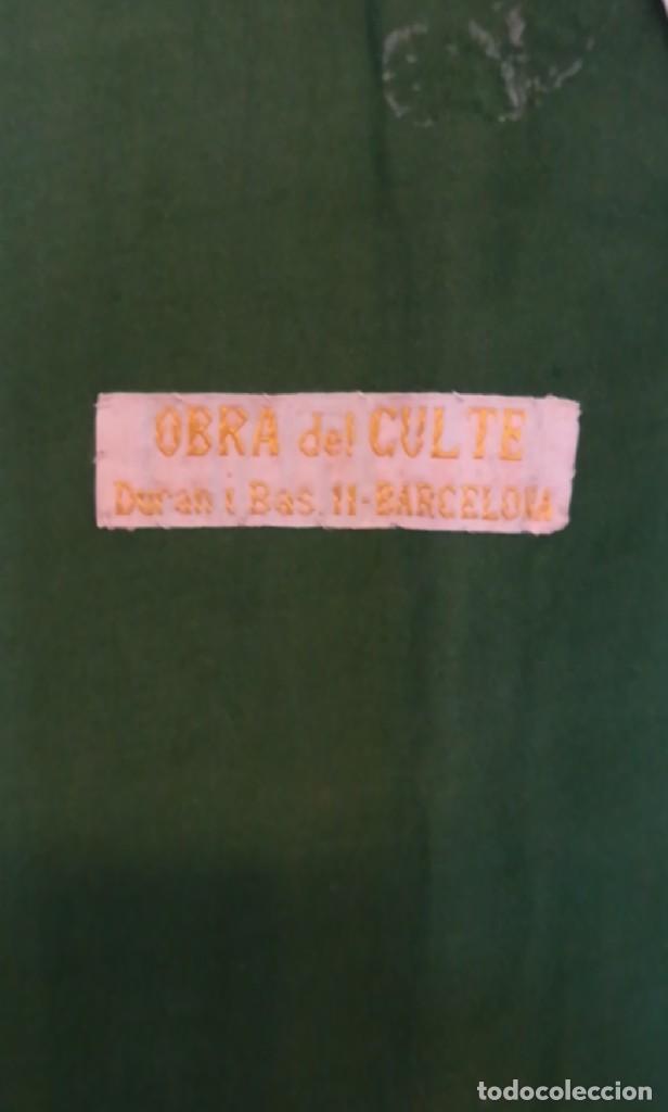 Antigüedades: Casulla damasquinada bordado JHS con etiqueta del fabricante - Foto 3 - 225765535