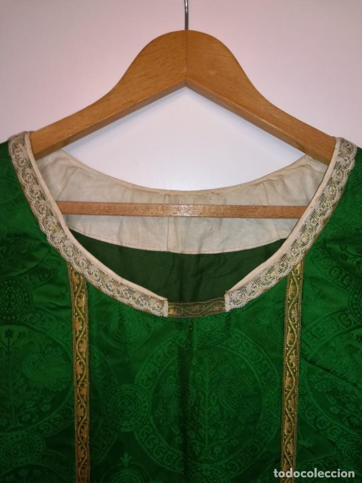 Antigüedades: Casulla damasquinada bordado JHS con etiqueta del fabricante - Foto 18 - 225765535