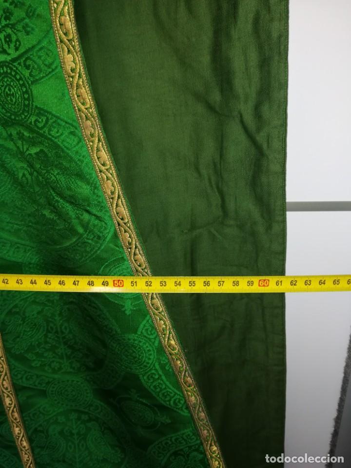 Antigüedades: Casulla damasquinada bordado JHS con etiqueta del fabricante - Foto 29 - 225765535