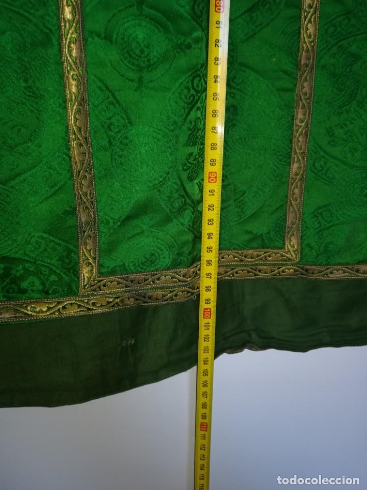 Antigüedades: Casulla damasquinada bordado JHS con etiqueta del fabricante - Foto 30 - 225765535