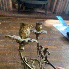 Antiquités: BRAZOS LÁMPARA CANDELABRO MODERNISTA EN LATÓN. Lote 225767168