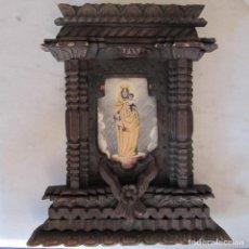 Antigüedades: PEQUEÑO RETABLO VIRGEN DEL PILAR MADERA TALLADA Y SEDA. Lote 225830441
