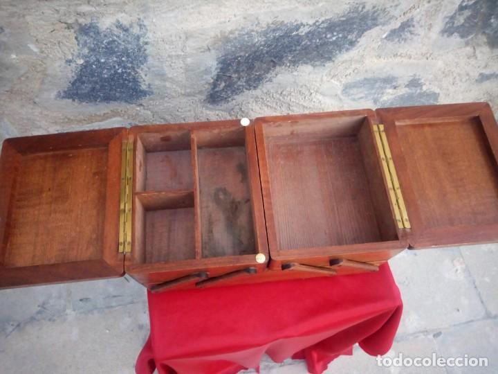 Antigüedades: Antiguo costurero de sobremesa de roble macizo,con varios departamentos,dibujos tallados - Foto 6 - 225855290